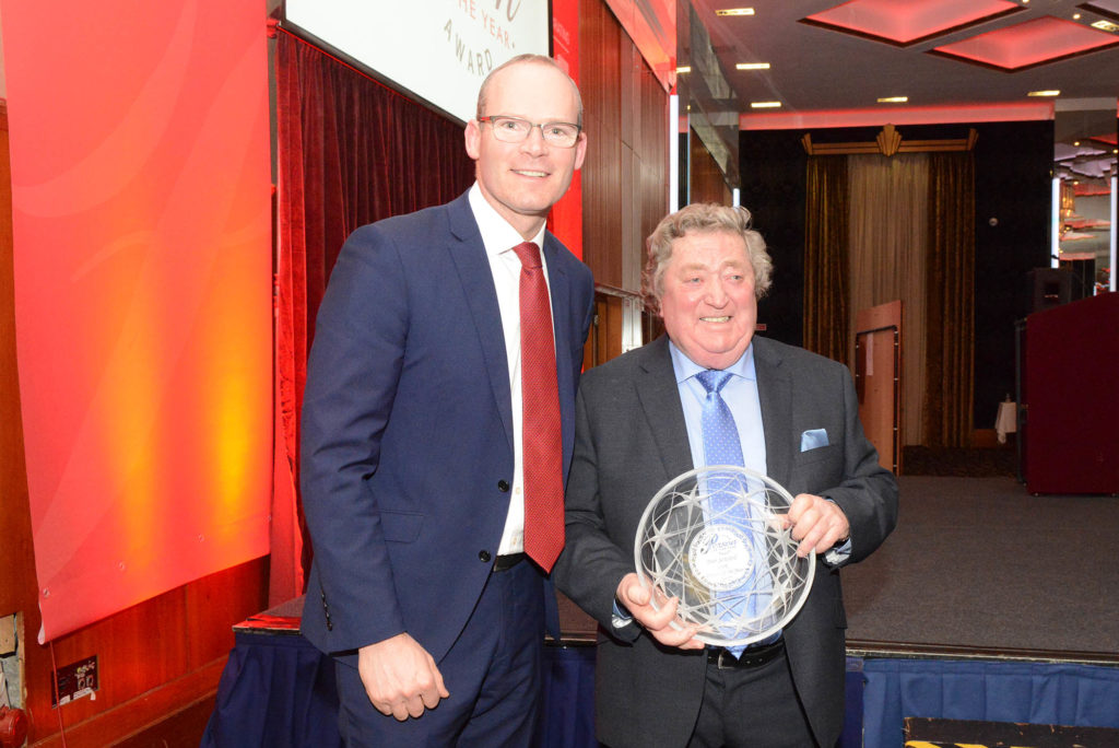 Tánaiste Simon Coveney TD with Cork Person of the Year Bob Seward. Photo: Martin Collins, Europhoto.